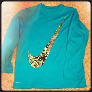 Nike Dri-fit long sleeve shirt